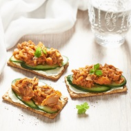 Tomato And Onion Tuna Crispbreads